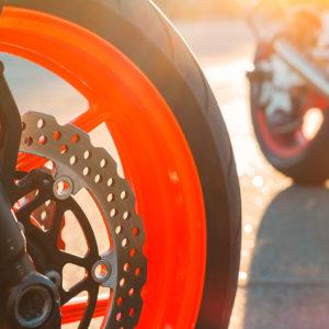Lackierte Motorrad Felgen reinigen